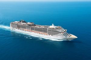 546108_msc_fantasia_cruise_ship_4255x2831_(www_GdeFon_ru)